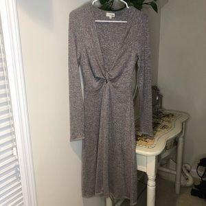 Aritzia | Wilfred Free Knot Long Sleeve Dress